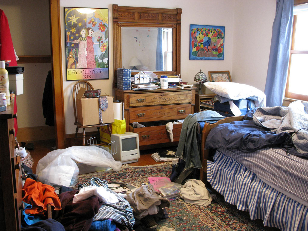Clutter doesn t matter really snowbird of paradise for Clean bedroom pictures