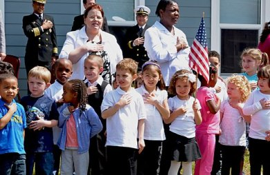 US_Navy_100405-N-1831S-045_hildren_enrolled_in_the_Joint_Expeditionary_Base_Little_Creek_-_Fort_Story_Child_Development_Center_Pre-School_sing_the_National_Anthem_during_a_ribbon_cutting