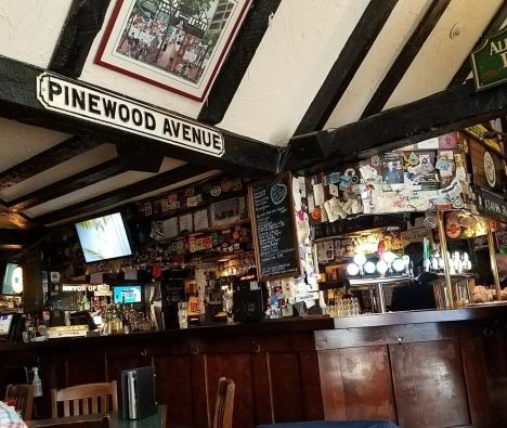 Sherlock Holmes Pub 2